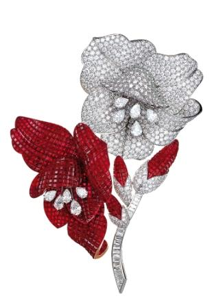 van-cleef-arpels-millenium-clip-with-mystery-setting-rubies-and-diamonds dans A et B